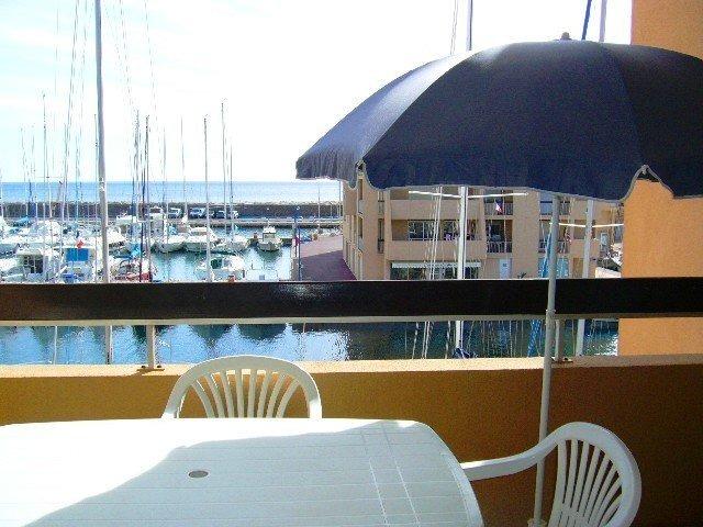 Location Studio Vue mer port de Bormes-La Favière