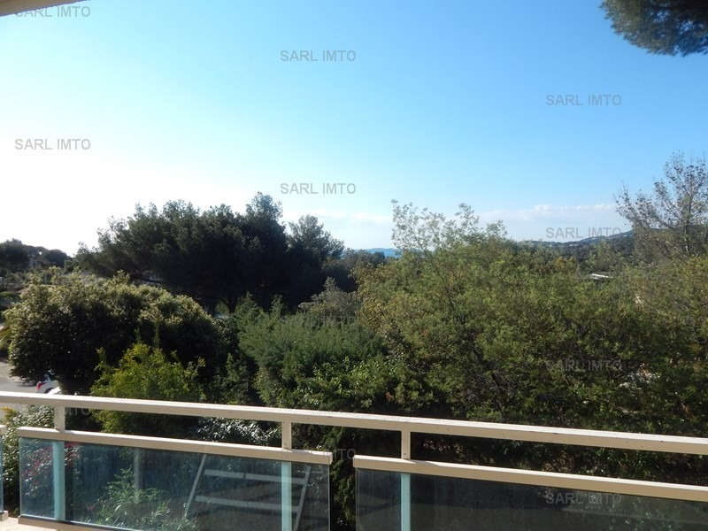 Location T2 dans résidence au coeur de la Pinède, avec piscines