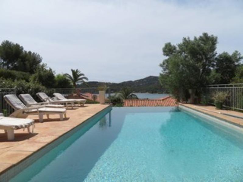 Location Villa 4 chambres avec piscine à débordement au  Gaou Bénat